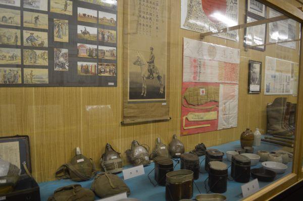 満州事変、日中戦争当時の展示。旧陸軍兵や遺族からの寄贈品もある