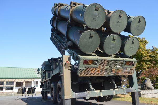 八戸駐屯地「防衛館」前に展示された地対艦ミサイルの発射装置