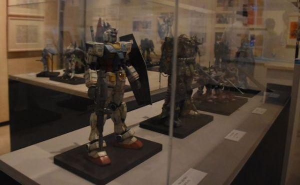 「富野由悠季の世界展」で展示されているガンダムのプラモデル