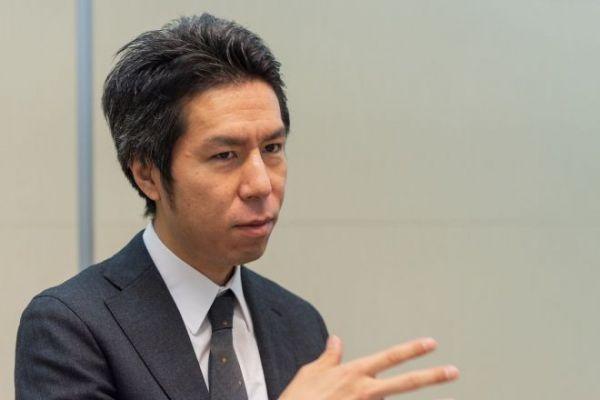 朝日新聞社が運営する「withnews」編集長の奥山晶二郎さん=吉田一之撮影、記事は出典から