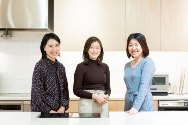 クックパッドニュースの3人(左から、中山亜子さん、植木優帆さん、福井千尋さん)=栃久保誠撮影、記事は出典から