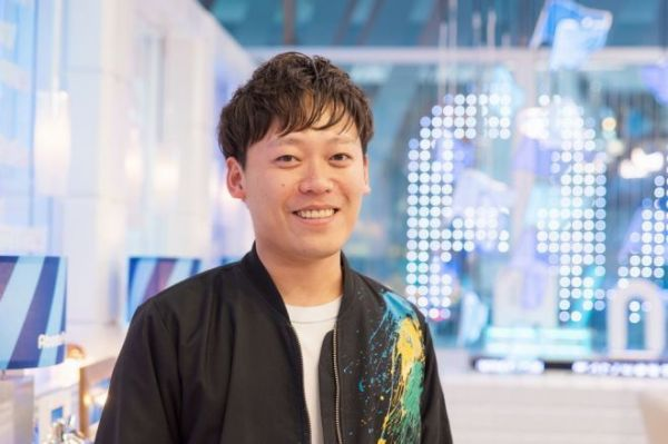 『ABEMA Prime』のプロデューサーを務める郭晃彰さん=吉田一之撮影、記事は出典から