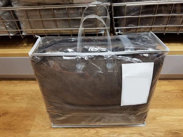 透明のタックハンドルは、スケルトンタイプの包装袋とも組み合わせることができる