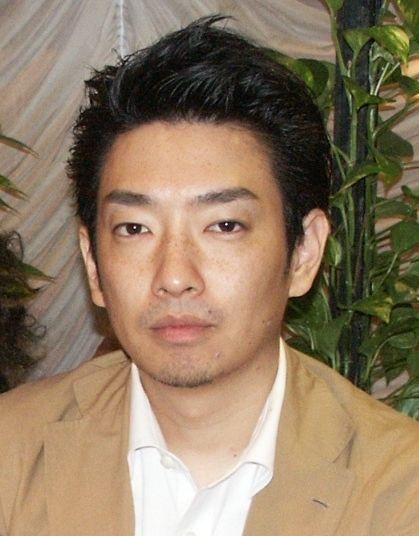 ラーメンズの小林賢太郎=2002年6月24日