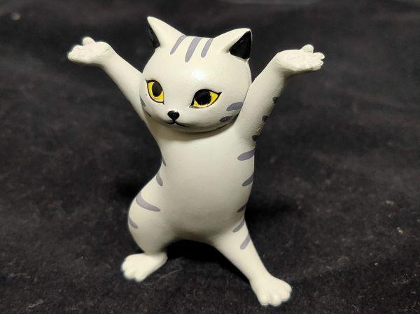 「ネコのペンおき」サバトラ