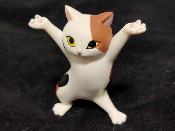 「ネコのペンおき」ミケネコ