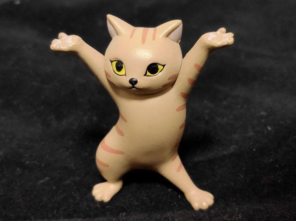 「ネコのペンおき」チャトラ