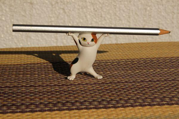 「ネコのペンおき」