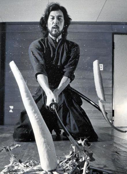 1976年、「ジーザズ・クライスト=スーパースター」のユダ役で活躍した新人時代の滝田栄さん=東京・渋谷区代々木の劇団四季で