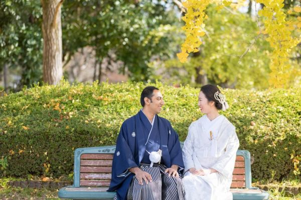 堀川恵理さん(右)とアノージさん