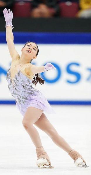 フィギュア・全日本選手権、女子フリーで演技する紀平梨花=2020年12月27日