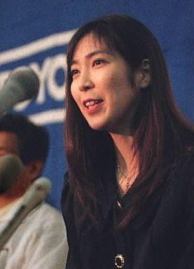 記者会見で引退を明らかにした大林素子さん=1997年3月6日、大阪府門真市のなみはやドームで