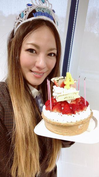 2月26日に誕生日を迎えたLINAさん=本人提供