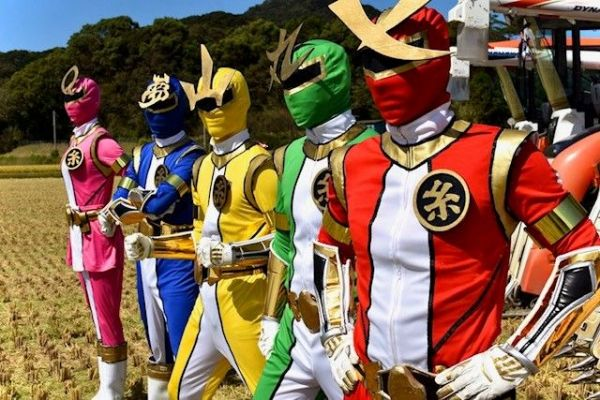 JA糸島(福岡県糸島市)青年部の戦隊ヒーロー「コメンジャー」。約80人の農家でつくる青年部が発案した。