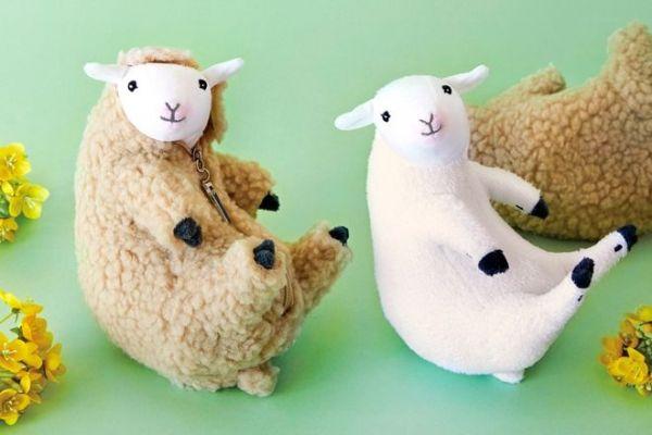 これが「羊の毛刈りがいつでもどこでも楽しめる 羊の毛刈りぬいぐるみ」