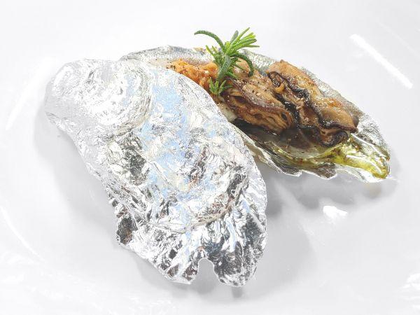 牡蠣(カキ)の蓋付き小平皿
