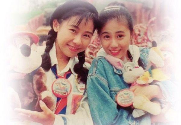 「スーパー・モンキーズ」のデビューで上京した時のNANAさん(右)と牧野アンナさん(左)=本人提供