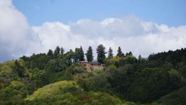 標高200メートルにある神社