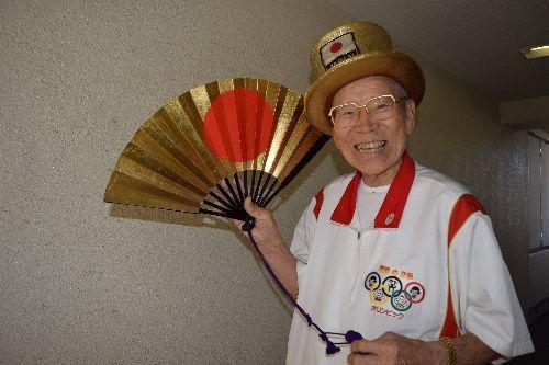 山田直稔さん。富山県出身。都内でワイヤロープ販売会社を手がける傍ら1964年東京五輪以来、すべての夏季五輪の開催地を訪れ「オリンピックおじさん」として親しまれた=2015年7月22日、宮嶋加菜子撮影