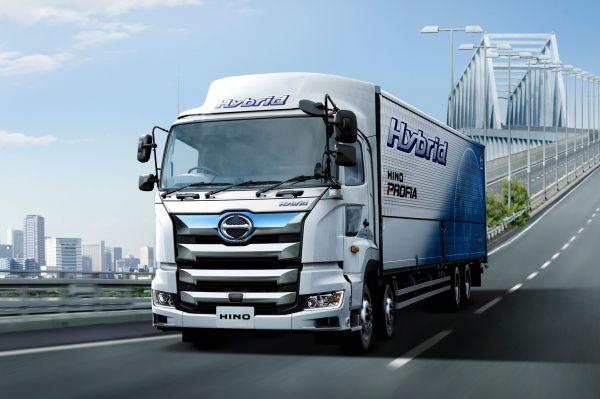 大型トラック「プロフィア」