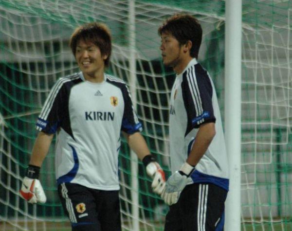 北京五輪代表だった山本海人(右)。左は西川周作