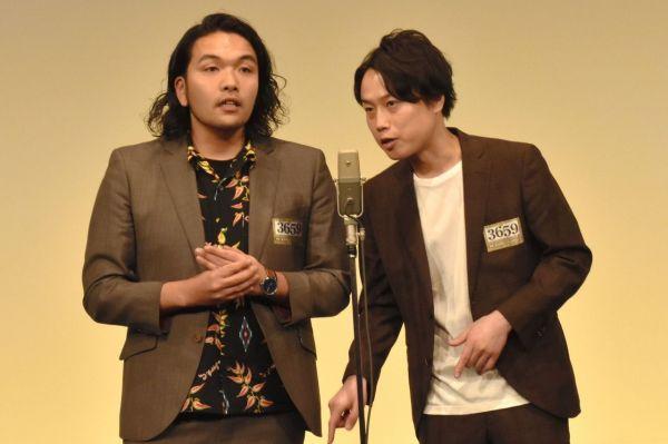 見取り図の盛山晋太郎(左)とリリー=2019年12月4日、東京都港区