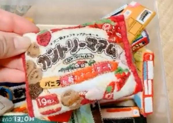 nonoさんの義母が手掛けた、市販食品のパッケージを模したフェルト製手芸品