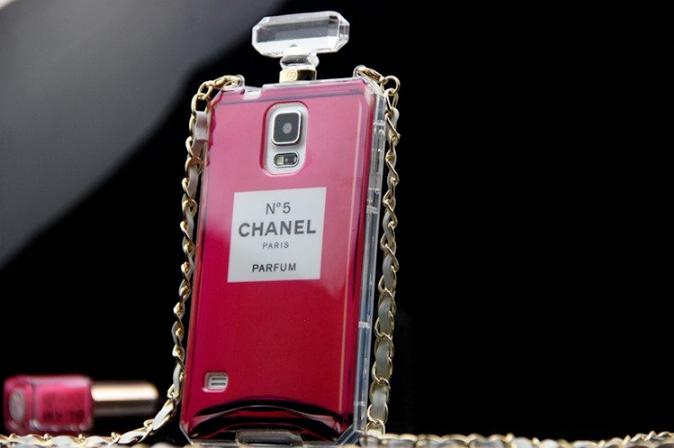 CHANEL 香水ボトルケース iPhone5/5s シャネル 赤