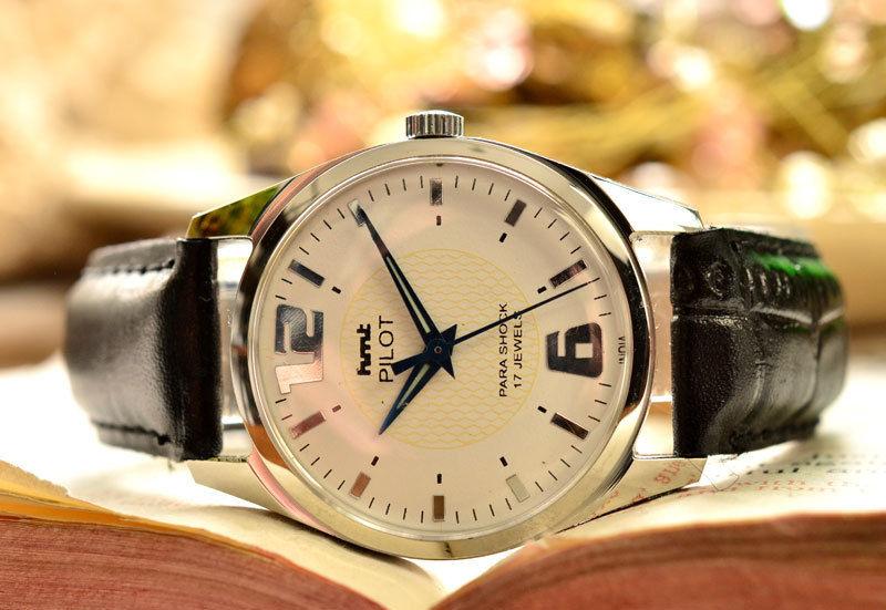 HMT PILOT ミリタリー腕時計 デッドストック級 ホワイト