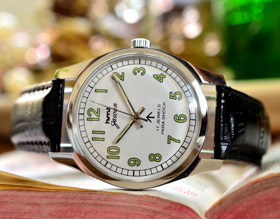 ヴィンテージ HMT ミリタリー ↑ブロードアロー 腕時計 白