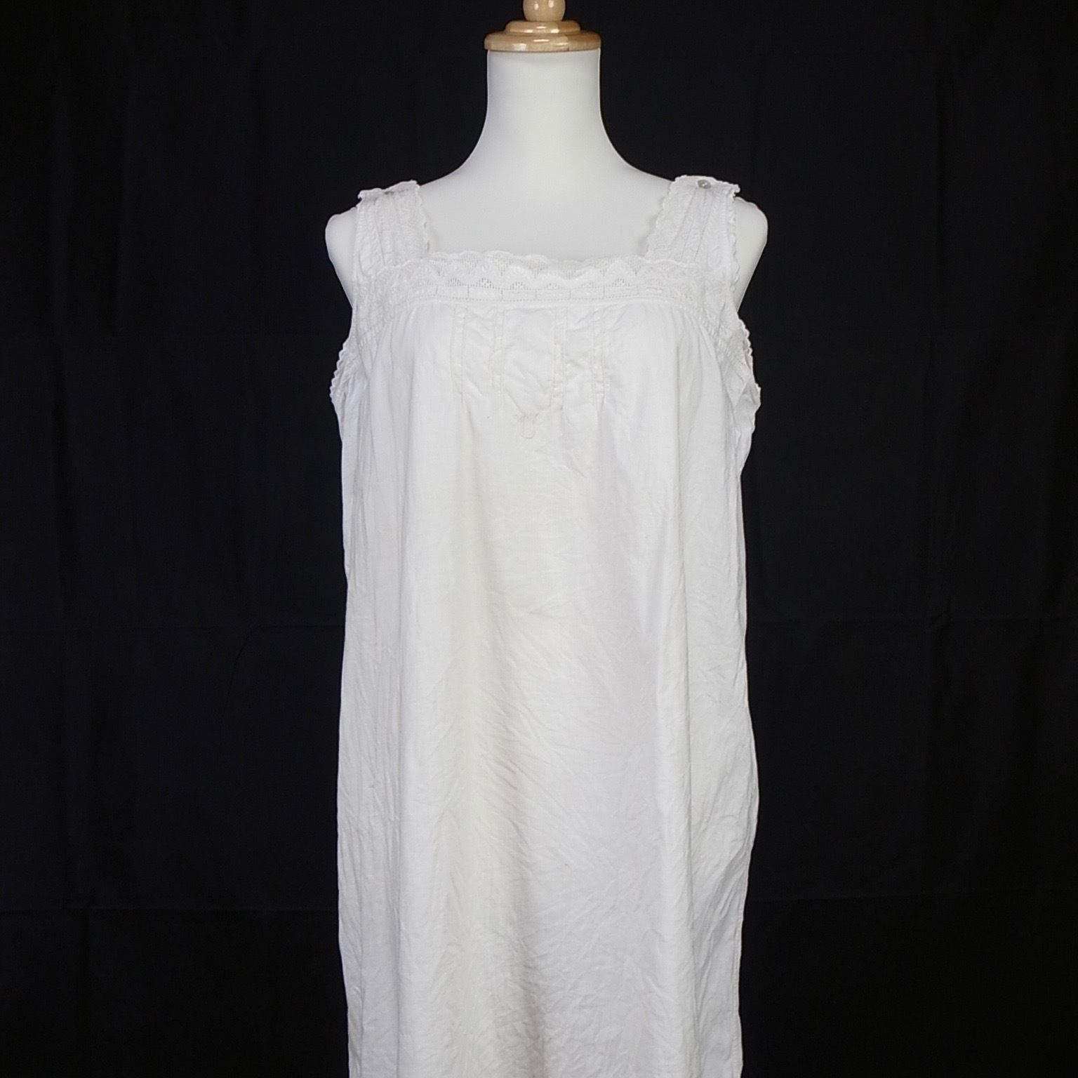 1900s FRENCH ANTIQUE LINEN ONEPIECE EMBROIDERY
