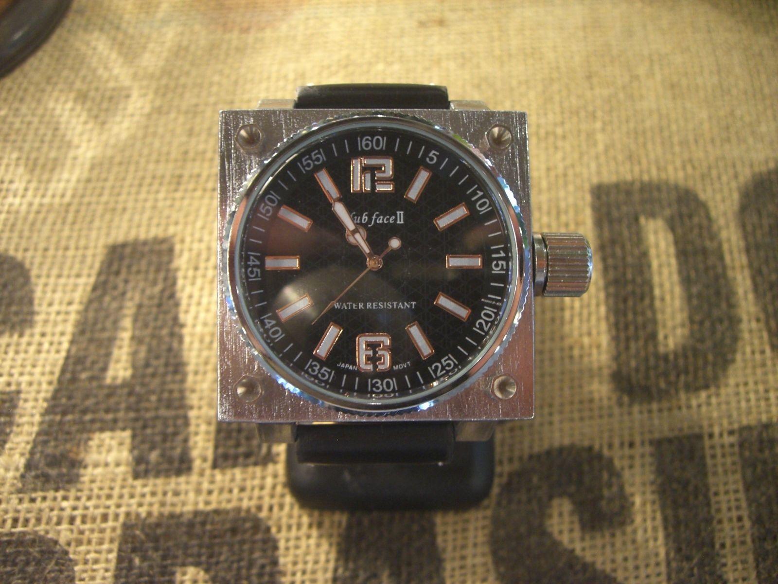 ビックフェイス?スクウェアー 腕時計?ブラック