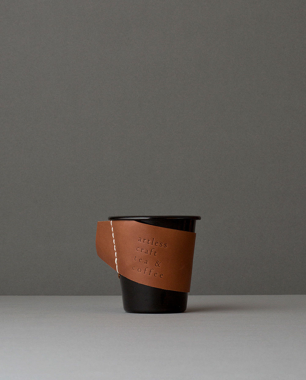 falcon  enamelware cup (black)+craft leather sleeve