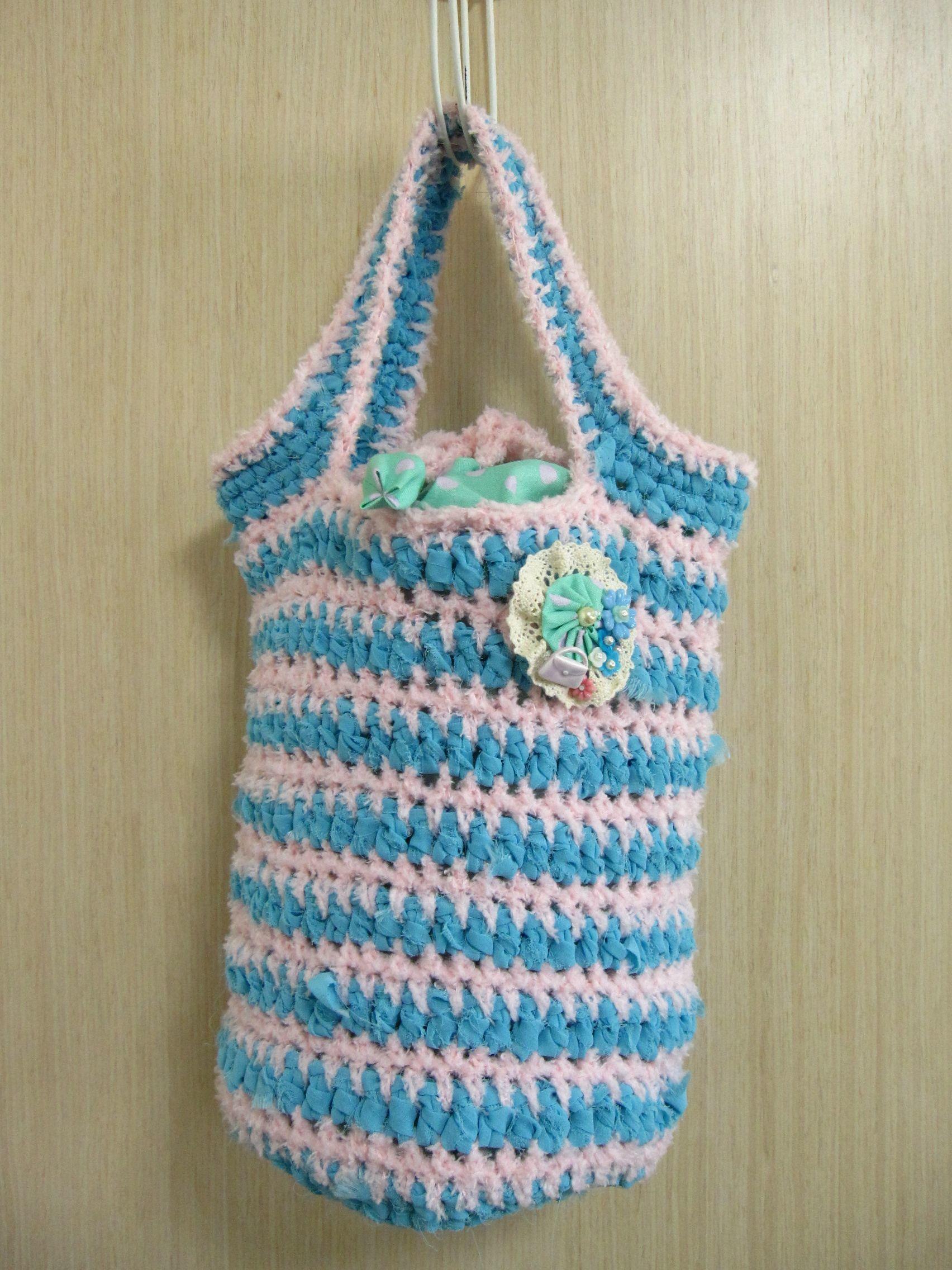 裂き生地と綿毛糸のニットバッグ(ピンク×水色)