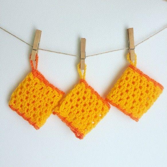 Dish Sponge - Yellow Square x 3 / きいろいわっかのアクリルたわし 3個セット
