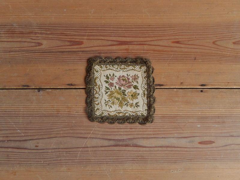 antiques 花柄のミニタペストリー(緑)  ②