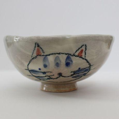 アイテムポストで買える「■飯椀/常滑焼/手づくり/ネコ/径:約9cm」の画像です。価格は2,100円になります。