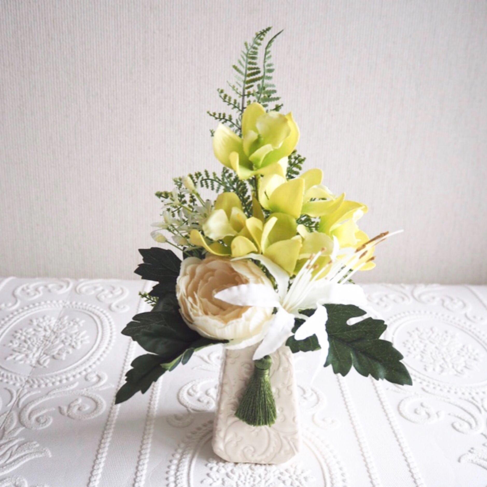 ●新作 お供え花【モダン 仏花 】上品 ホワイト & グリーン *プレミアム舞花B27