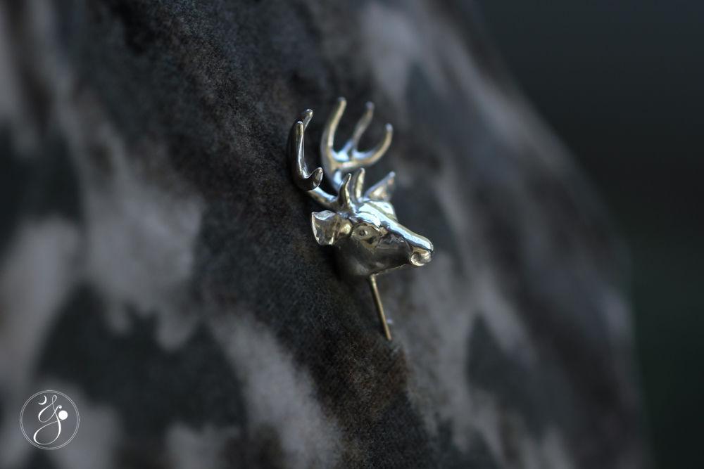 鹿ヘッドラペルピン(ハットピン)
