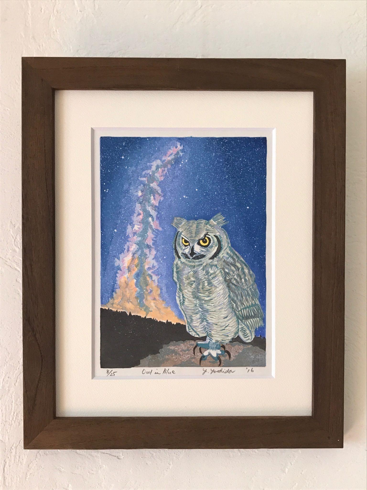 木版画  「Owl in  Blue」クリスマスシーズンに