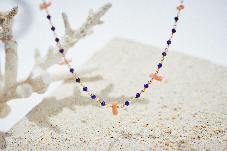 ラピスラズリと深海珊瑚のシャンク巻きネックレス
