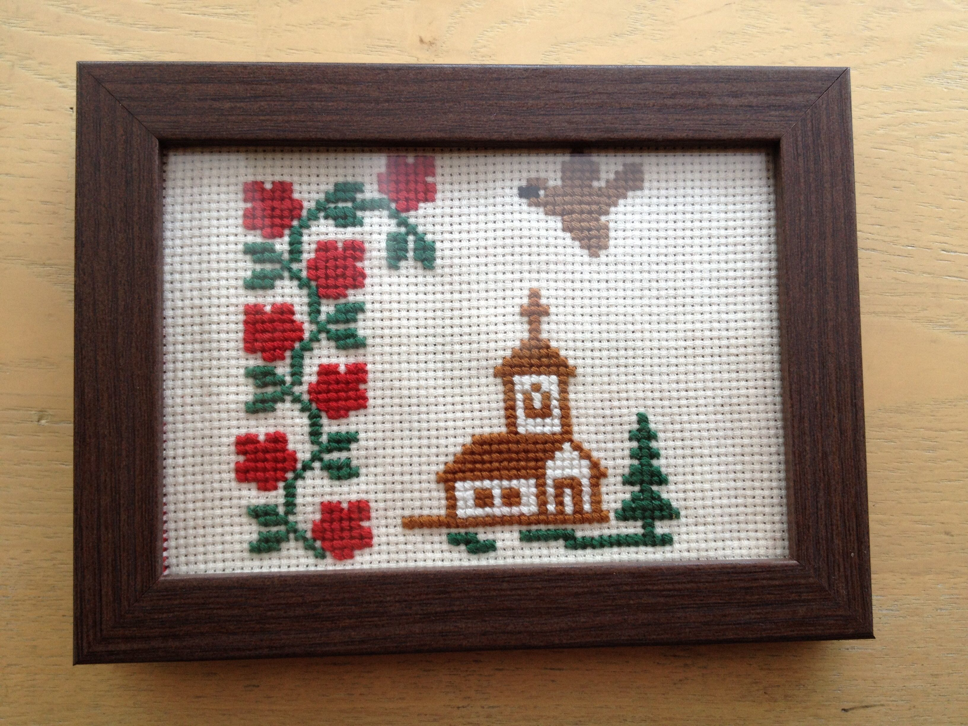 ハンガリー刺繍 木製フォトフレームつき