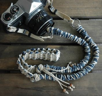 デニム裂き布の麻紐ヘンプカメラストラップ