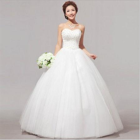 美しい純白なプリンセスラインウェディングドレス