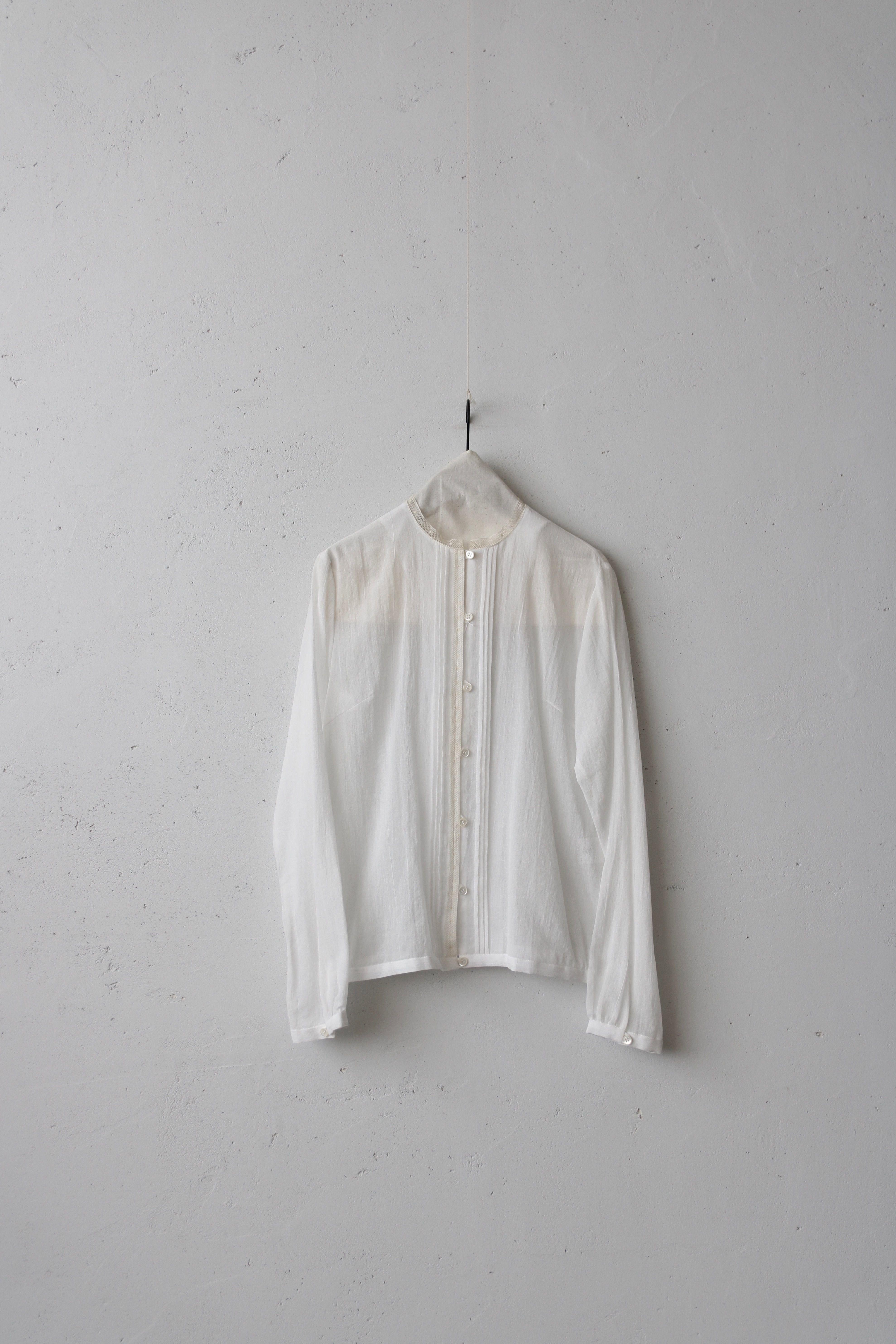 cavane キャヴァネ / Stand-collar blouse ピンタックブラウス/ ca-18011