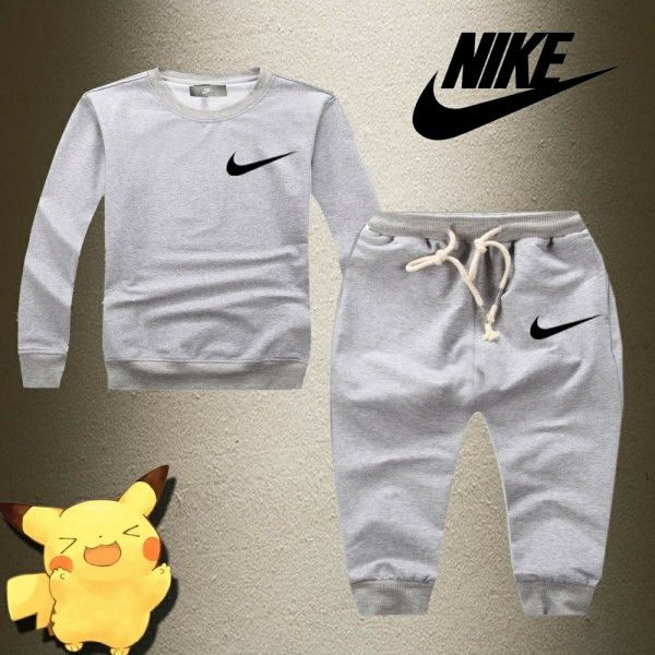Nike ナイキキッズセットアップ トップス セットアップ  クール 可愛い