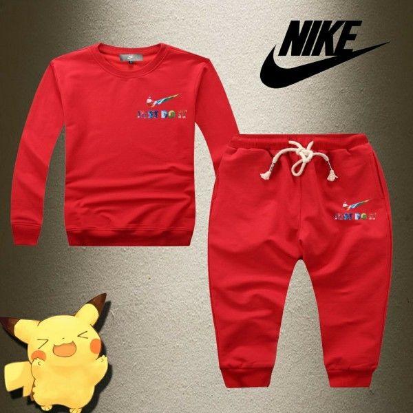 ナイキキッズセットアップ セットアップ  クール 可愛い Nike 子供愛用 トップス