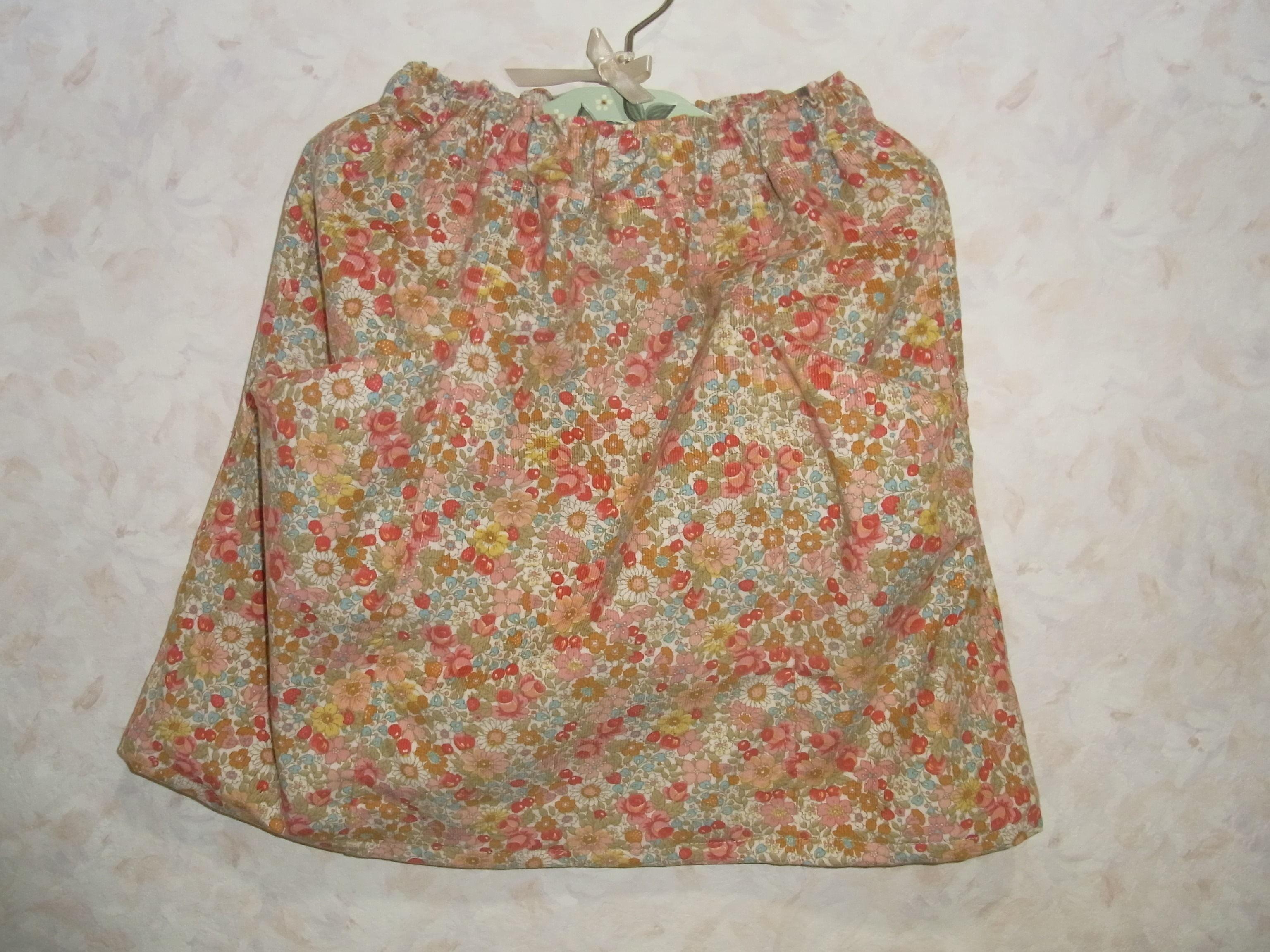 花柄コーデュロイのポケットがかわいいスカート