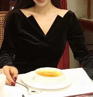 海外 インポート ブラック ベロア ベルベット 素材 レース フレアー スリーブ ワンピース パーティー ドレス 黒