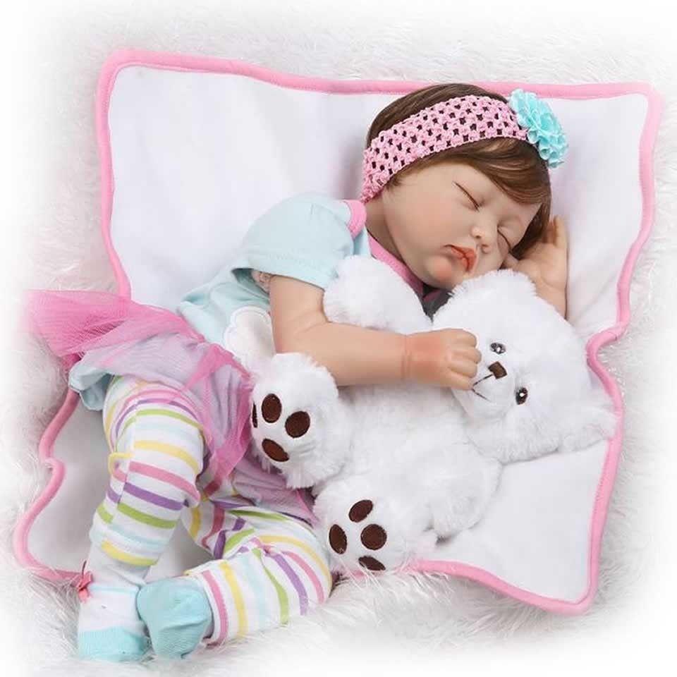 リボーンドール リアル赤ちゃん人形 本物そっくり かわいいベビー人形 ハンドメイド海外ドール 衣装と哺乳瓶・おしゃぶり付き クローズアイ くまさんと眠る女の子 ぐっすりすやすや